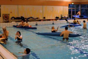zwembad met kano´s